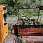 800px-Old_car,_pump,_Mogollon_NM